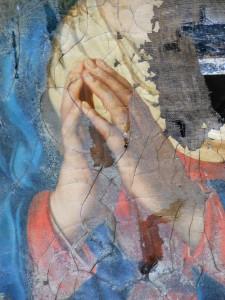 Détail du tableau : les mains de la Vierge